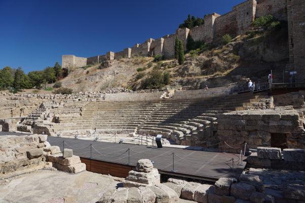 Pozostatky rímskeho divadla v Málage priamo pod múrmi pevnosti Alcazaba