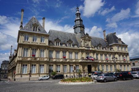 Mairie (alebo aj Hôtel de Ville) - Reimská radnica - Verejne prístupná budova zo 17. storočia
