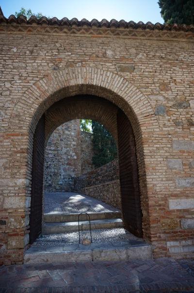 Jedna zo vstupných brán k pevnosti Alcazaba v Málage