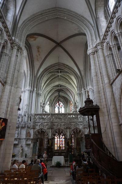 Kostol sv. Magdalény (Église Sainte-Madeleine) v Troyes - Hlavná loď a zdobený chór