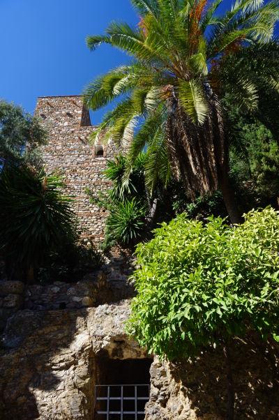 Jedna z veží pevnosti Alcazaba v Málage