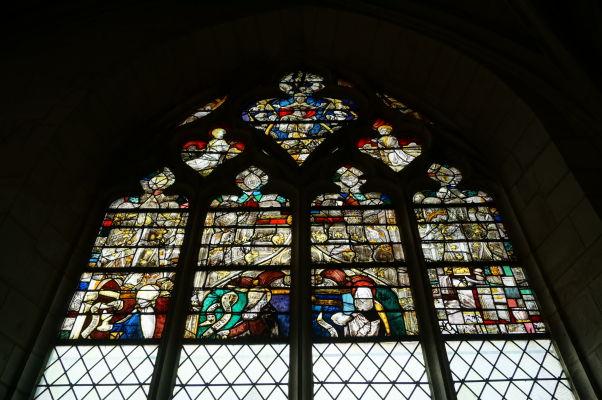 Kostol sv. Magdalény (Église Sainte-Madeleine) v Troyes - Farebné vitrážové okno