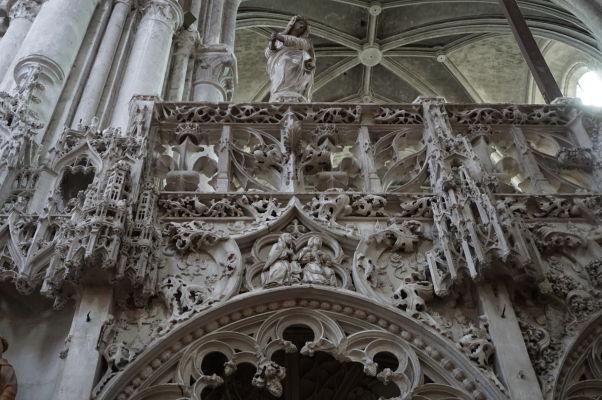Kostol sv. Magdalény (Église Sainte-Madeleine) v Troyes - Detail zdobeného chóru