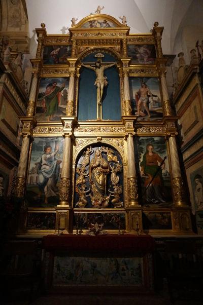Jeden z oltárov v Mešite-katedrále (Mezquite) v Córdobe