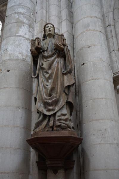 Socha sv. Roberta z Molesme, zakladateľa cisteciánskeho rádu, v Kostole sv. Magdalény (Église Sainte-Madeleine) v Troyes