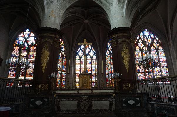Hlavný oltár v Kostole sv. Magdalény (Église Sainte-Madeleine) v Troyes
