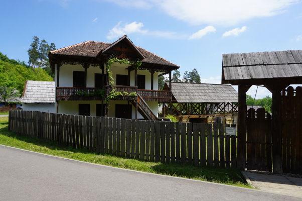 V skanzene v Sibiu sa nájdu aj domy dedinských boháčov