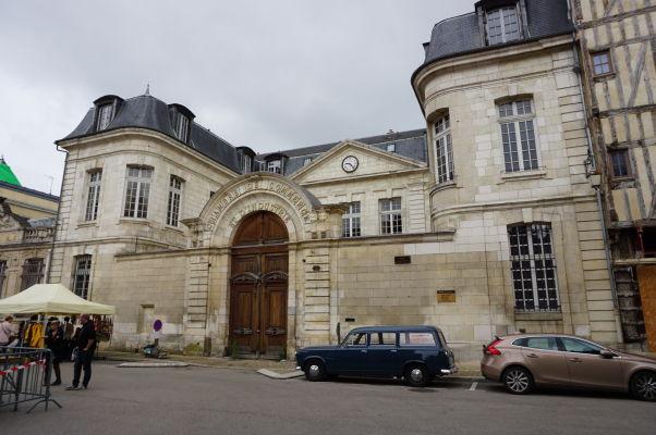 Budova Obchodnej a priemyselnej komory na námestí Place Audiffred v Troyes