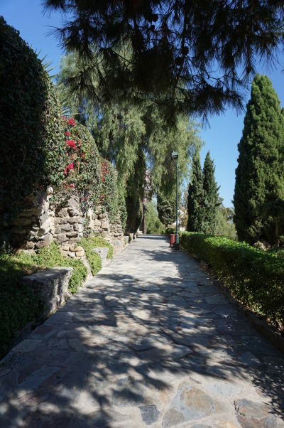 Záhrady Jardines de Puerta Oscura v Málage pod kopcom Gibralfaro