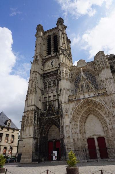 Katedrála sv. Petra a Pavla v Troyes