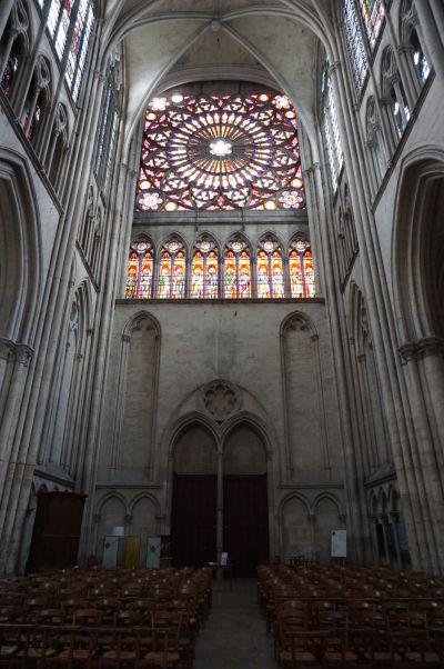 Priečna loď a veľká rozeta Katedrály sv. Petra a Pavla v Troyes