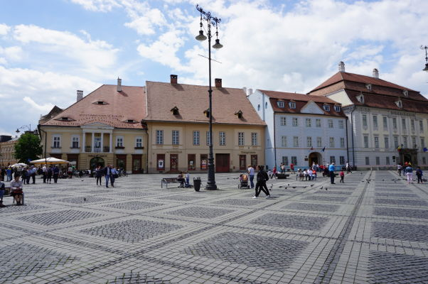 Veľké námestie (Piața Mare) v Sibiu - hlavné námestie v meste