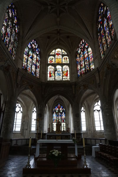 Presbytérium a hlavný oltár Kostola sv. Niziera (Église Saint-Nizier) v Troyes