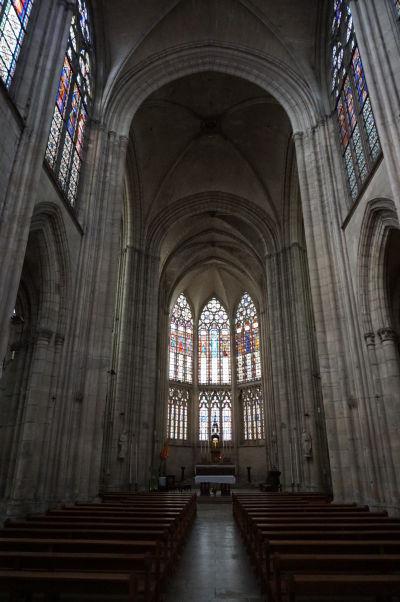 Hlavná loď Baziliky sv. Urbana (Basilique Saint-Urbain) v Troyes