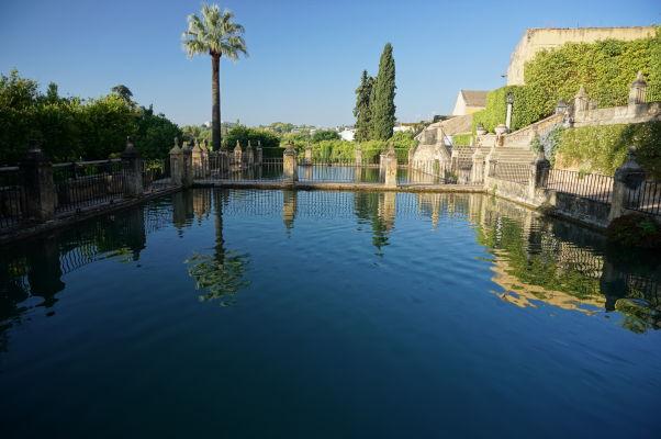 Vodná nádrž v kráľovskom paláci Alcázar v Córdobe