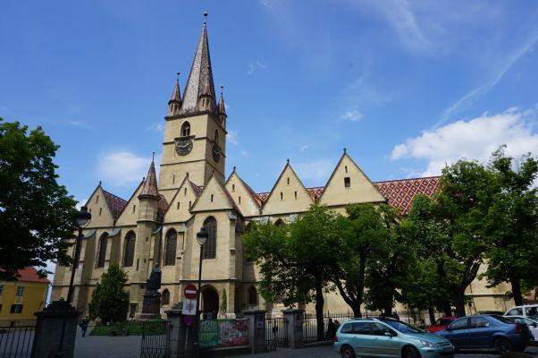 Evanjelická katedrála sv. Márie v Sibiu na Huetovom námestí