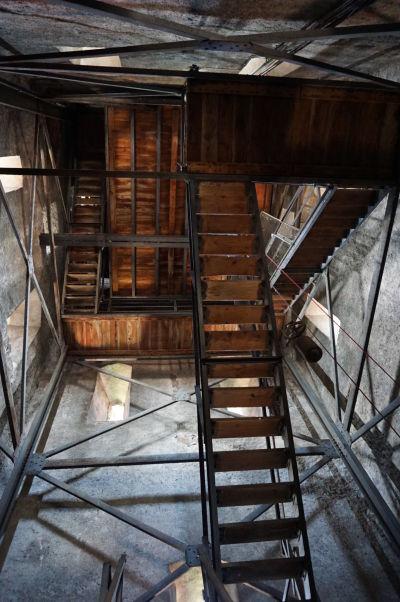 Výstup na vežu Evanjelickej katedrály sv. Márie môže trochu nahnať strach tým, čo majú strach z výšok