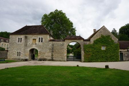 Vstup do kláštora Fontenay
