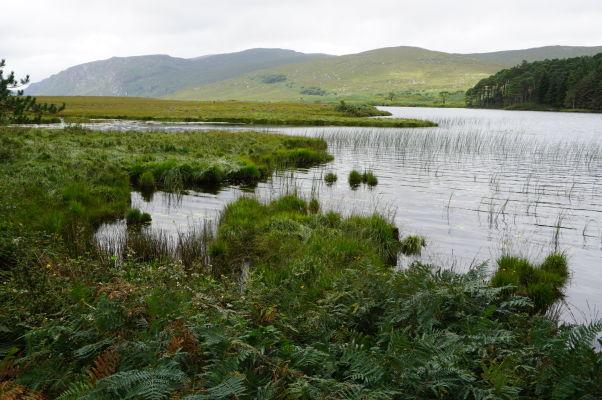 Národný park Glenveagh v Írsku - parku dominuje rozsiahle jazero Lough Veagh