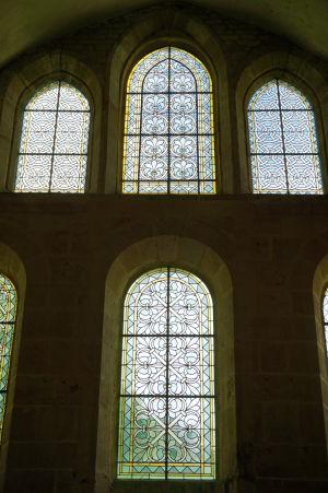 Jeden z mála luxusov, ktorý si cisterciáni dovolili, boli zdobené okná