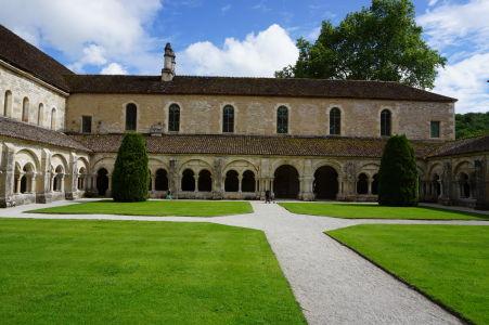 Ambit kláštora Fontenay