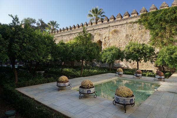 Záhrady a opevnenie v kráľovskom paláci Alcázar v Córdobe