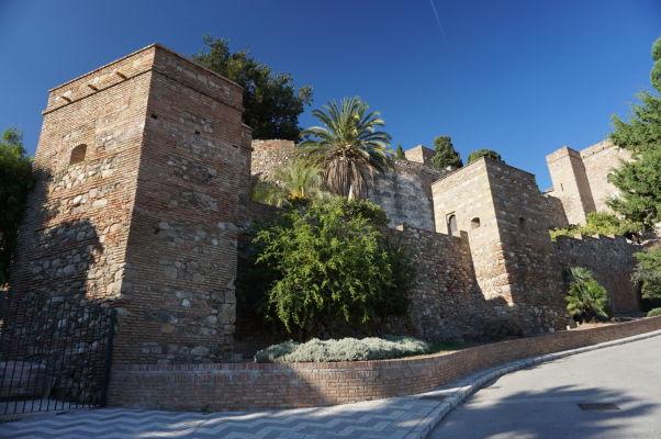 Hradbám Alcazaby v Málage dominujú obdĺžnikové tvary