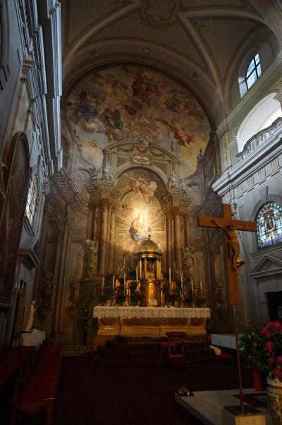 Presbytérium Kostola sv. Trojice v Sibiu - jezuitského chrámu z 18. storočia