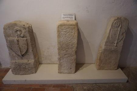 Hraničné kamene, ktoré kedysi vymedzovali územie kláštora