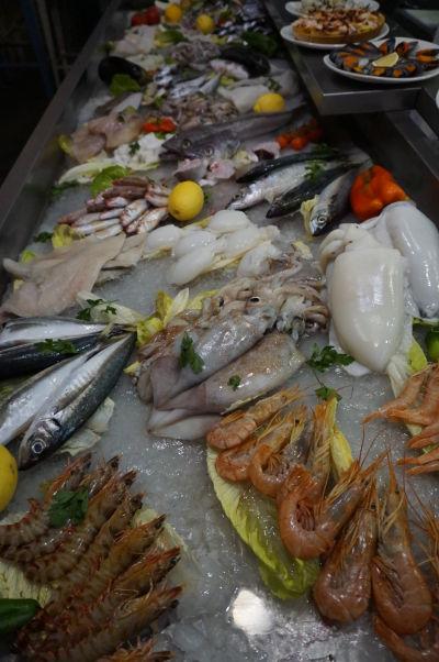 Čerstvé suroviny na tržnici Merced v Málage