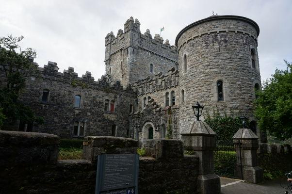 Zámok Glenveagh v rovnomennom národnom parku v Írsku