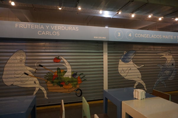 Stánky na tržnici Merced v Málage