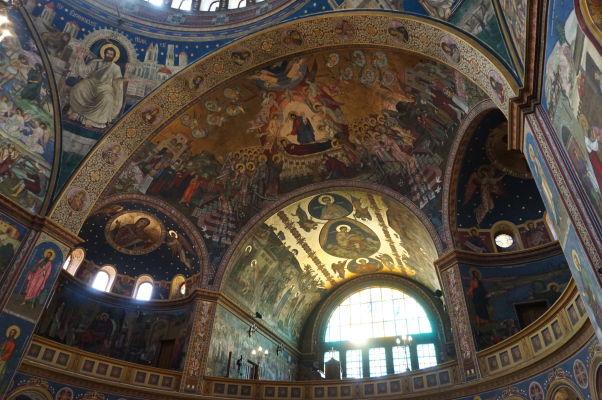 Ortodoxná katedrála sv. Trojice v Sibiu - modrá a zlatá vládnu