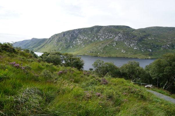 Národný park Glenveagh v Írsku - môžete sem vyraziť na túru okolo miestnych kopcov alebo i na kopce samotné