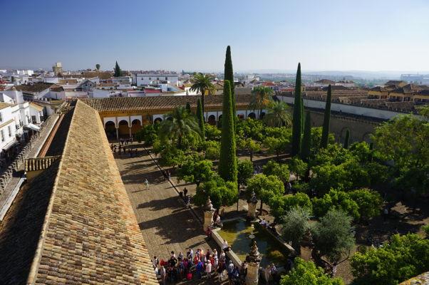 Výhľad na Nádvorie pomarančovníkov z veže Mezquity (bývalého minaretu)