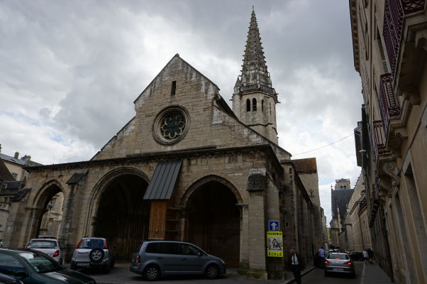 Chrám Saint Philibert v Dijone