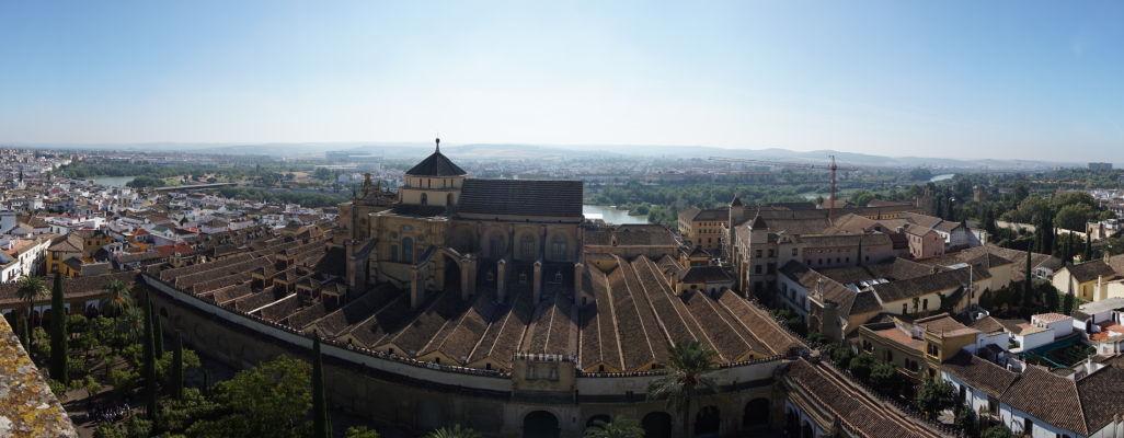 Výhľad na Mezquitu v Córdobe z jej veže (bývalého minaretu)