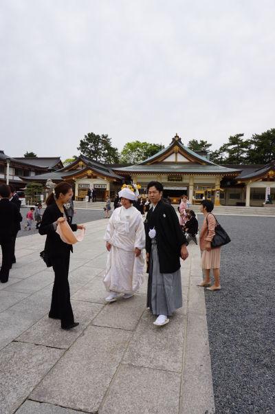 Hrad v Hirošime a svätyňa Gokoku je obľúbeným miesto svadieb