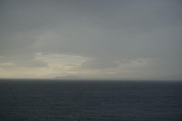 Pohľad na severnú Afriku (Maroko) v diaľke z Europa Pointu na Gibraltári
