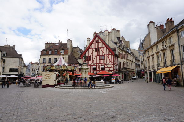 Námestie Place François-Rude v Dijone