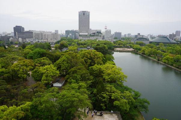Výhľad na Hirošimu a vodný kanál z hradu