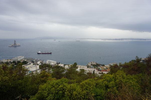 Pohľad na Gibraltársky záliv od Herkulovho piliera
