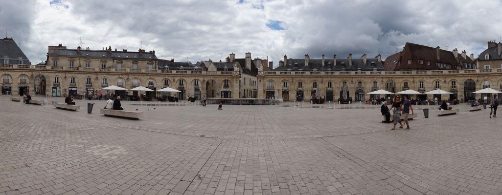 Námestie oslobodenia (Place de la Libération) v Dijone