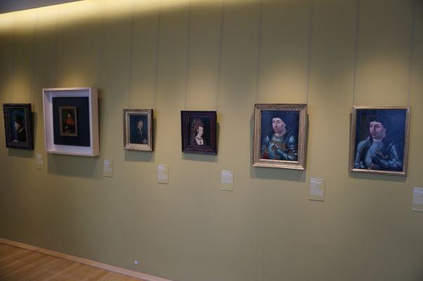Múzeum výtvarného umenia v bývalom Paláci vojvodov v Dijone, na obrazoch sú podobizne najslávnejších burgundských vládcov