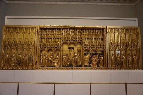 Vyrezávaný reliéf v Múzeu výtvarných umení v Dijone