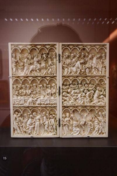Reliéf znázorňujúci výjavy zo života Krista v Múzeu výtvarných umení v Dijone