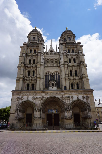Chrám Saint-Michel v Dijone