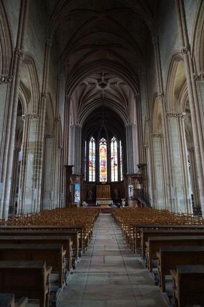 Hlavná loď Chrámu Saint-Michel v Dijone