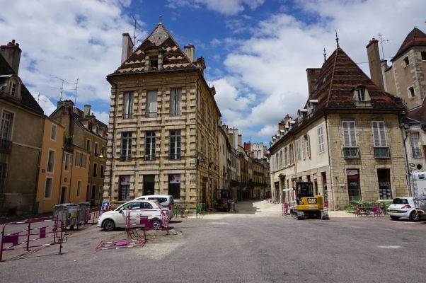 Námestie Place des Cordeliers v Dijone