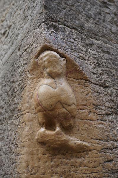 Dijonská sovička na stene Chrámu Matky Božej v Dijone - Symbol mesta